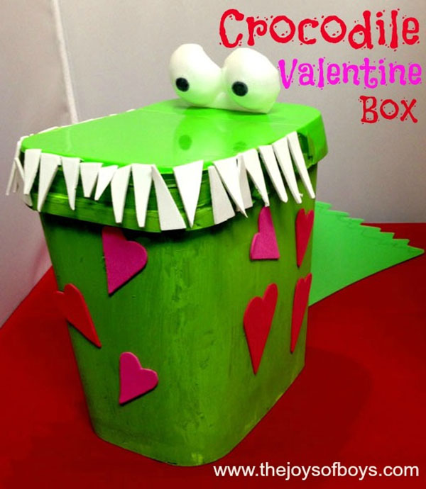Crocodile Valentine Box | Featured with 25 Awesome Valentine Box Ideas to Rock the Class Party! {OneCreativeMommy.com}