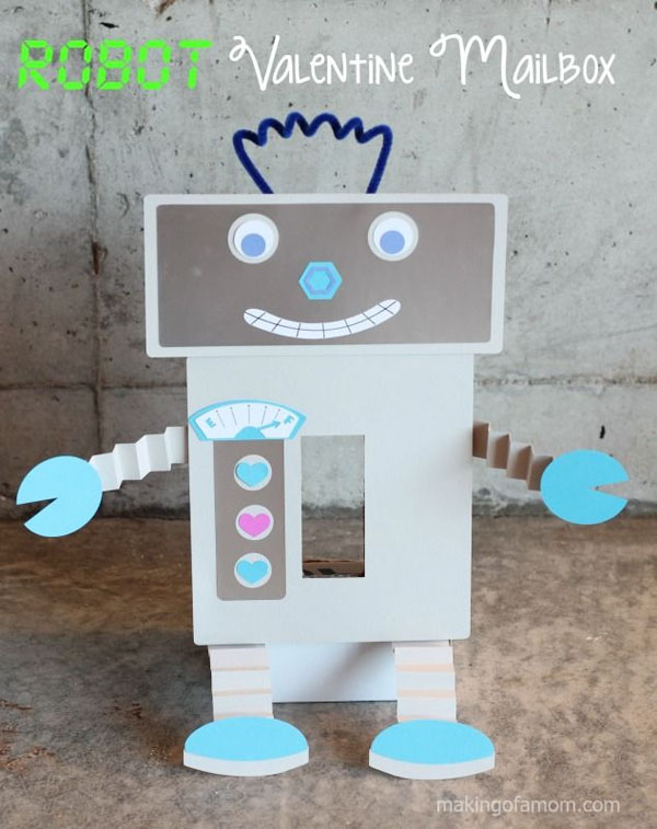 Robot Valentine Box | Featured with 25 Awesome Valentine Box Ideas to Rock the Class Party! {OneCreativeMommy.com}