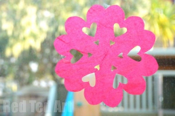 Heart Snowflake Craft | Featured in 25+ Awesome Valentine Class Party Ideas Roundup {OneCreativeMommy.com}