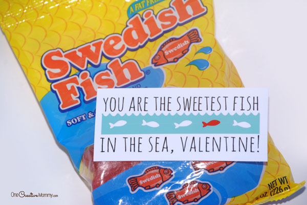 Quick and easy printable Valentine idea for Swedish Fish -- You are the sweetest fish in the sea, Valentine! {OneCreativeMommy.com} #printablevalentine #classroomvalentine #valentine