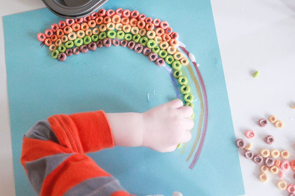 Cheerios Rainbow Craft | Featured in the Best St. Patrick's Day Crafts for Kids Roundup!{OneCreativeMommy.com}
