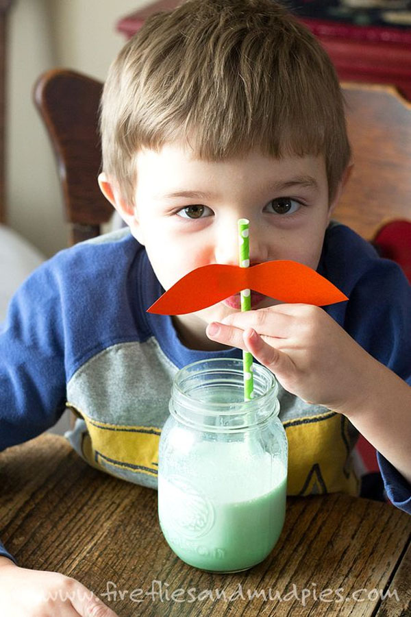 Fun and Silly Leprechaun Straws! | Featured in the Best St. Patrick's Day Crafts for Kids Roundup!{OneCreativeMommy.com}