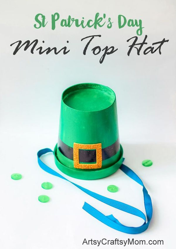 Leprechaun Mini Top Hats | Featured in the Best St. Patrick's Day Crafts for Kids Roundup!{OneCreativeMommy.com}