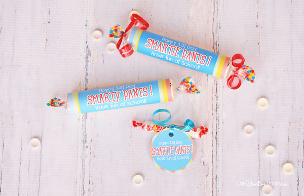 Leave these Smarties treats on your kids' pillows for the first day of school! {OneCreativeMommy.com} Back to School printables | Smarty Pants/Smarie Pants