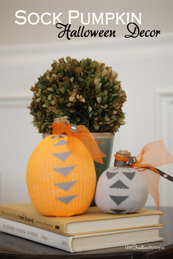 Turn boring socks into stunning Halloween decorations! Easy tutorial {OneCreativeMommy.com}