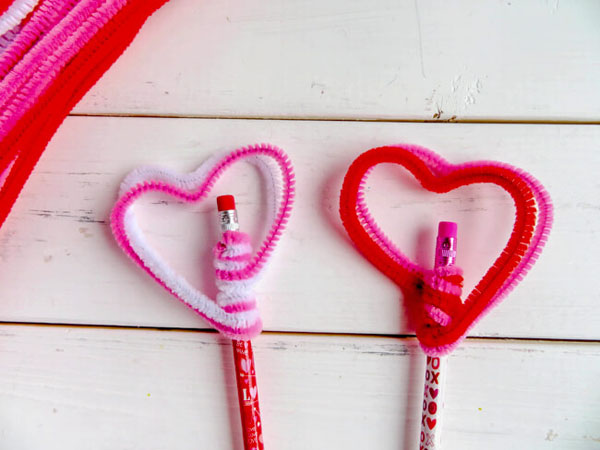 Heart Pencil Toppers from Life is a Lullaby Featured on 25 amazing Valentine craft ideas to try right now! {OneCreativeMommy.com}
