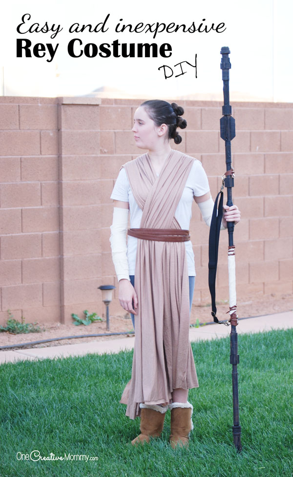 Get ready for the last jedi with this easy rey costume idea get ready for the new star wars movie with this easy diy rey costume solutioingenieria Choice Image