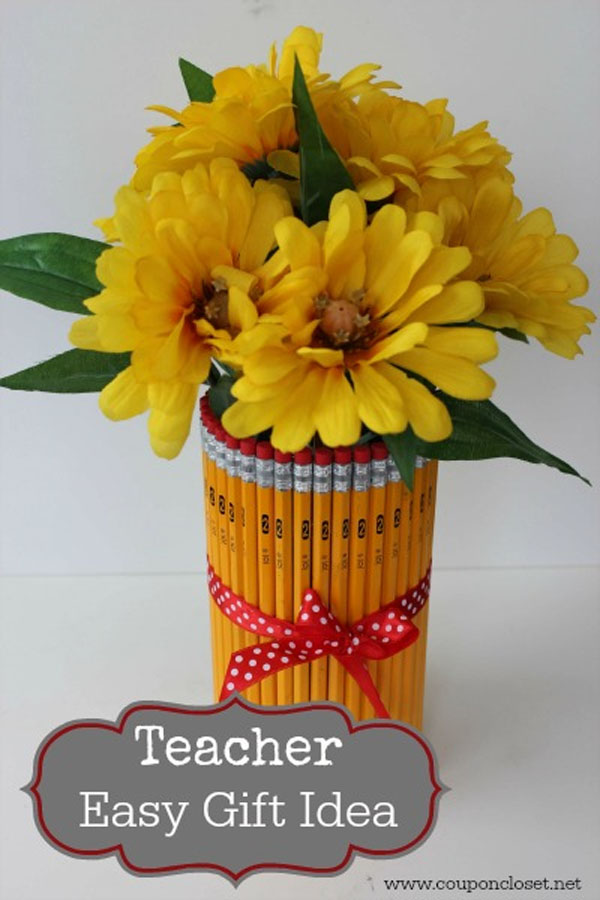 Easy Pencil Vase from Coupon Closet | Featured in Best Christmas Gifts for Teachers Roundup {OneCreativeMommy.com}