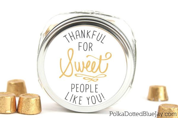 Thankful Candy Jar from Polka Dotted Blue Jay | Featured in Best Christmas Gifts for Teachers Roundup {OneCreativeMommy.com}
