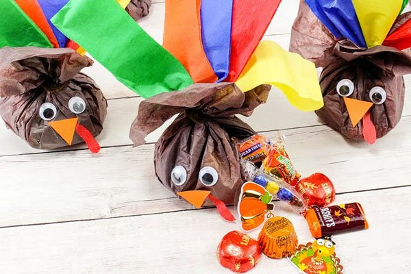 Candy Stuffed Turkeys from Productive and Pretty | Featured in the Ultimate Turkey Crafts for Kids Roundup {OneCreativeMommy.com}