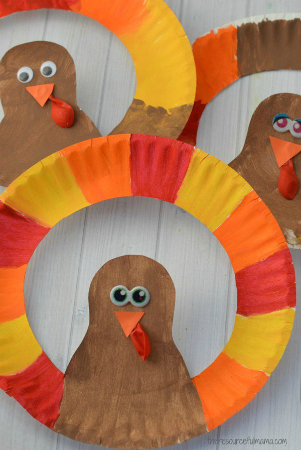 Paper Plate Turkey Craft from the Resourceful Mama | Featured in the Ultimate Turkey Crafts for Kids Roundup {OneCreativeMommy.com}
