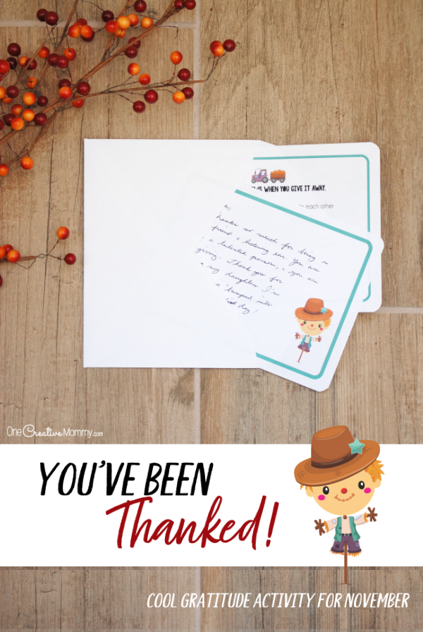 "You've heard of ""You've been boo'ed"" and ""You've been egged."" How about, ""You've been Thanked?"" Thank someone this November and start a chain of gratitude {OneCreativeMommy.com} #printables #Thanksgiving #gratitude #thankyounotes #thankyoucards"