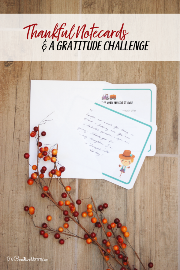 These adorable printable thank you notes are the perfect way to kick off November. Start a gratitude chain as you pay it forward and share your thanks with family, friends, neighbors and coworkers. {OneCreativeMommy.com} #thanksgiving #thankyoucards #thankyounotes #gratitude #printables
