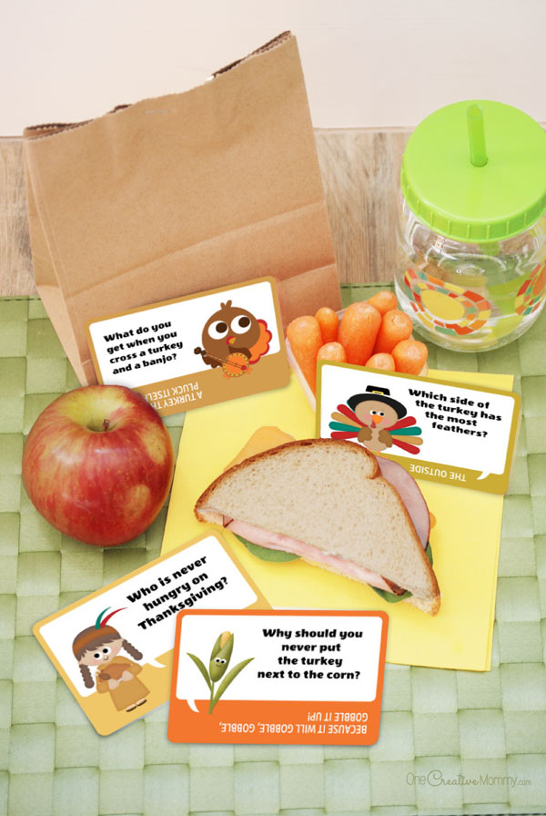 Spice up lunch this November with silly Thanksgiving lunchbox jokes! {OneCreativeMommy.com} Free Printables #thanksgiving #lunchboxjokes #lunchboxlovenotes #jokes #lunchtime