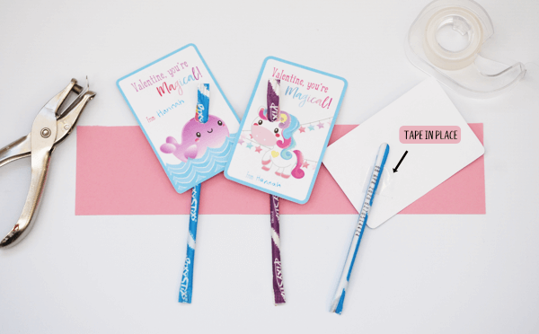 I'm in love with these unicorn valentines. Pixie sticks make cute narwhal and unicorn horns! {OneCreativeMommy.com} #unicorns #valentinesday #printablevalentines #valentines #schoolvalentine #narwhal